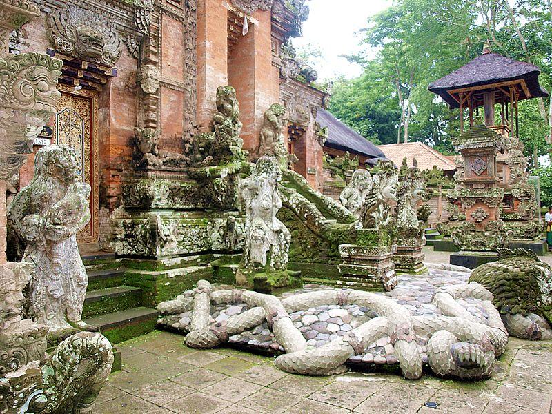 800px-Monkey_Forest,_Ubud,_Bali,_Indonesia_03