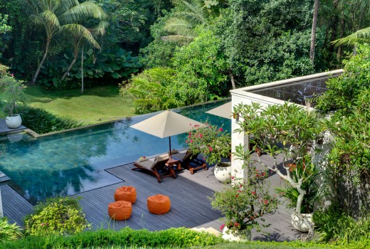 arsana-estate-garden-pool-and-bean-bags